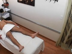 Dude really likes the way massage receives mixed with fuck