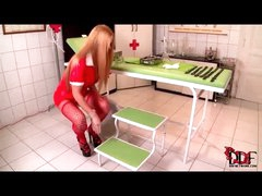 Hot nurse takes a big urinate