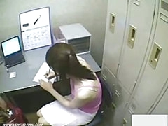 Japanse Girl Shoplifter