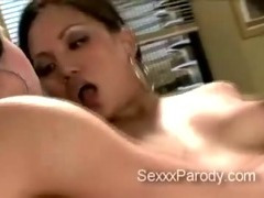 2 turned on hotties share strong 10-Pounder in Thirty Rock XXX parody
