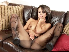 Hot Chelsea French can't live without teasing her juicy moist clit