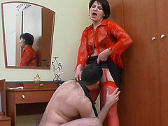 Hot mama in red stockings getting to facesitting previous to wild muff-splitting