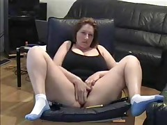 Hot Milf lets her dusty camera know that this babe hasn't lost her edge. This babe cleans off the dusty camera in this dilettante web camera video and spreads her legs wide for the camera during the time that this babe masturbates her large juicy pussy.