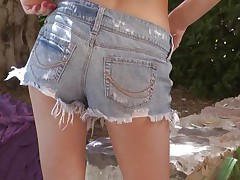 Kiera Winters enjoys having some quality time outdoors, in the middle of nature. She takes off her raiment under a tree and gently rubs and fingers her shaved sweet pussy getting even greater quantity slutty as this babe does that. That sexy cum asking ass and long hawt legs makes you slutty and curious about what will this babe do next.