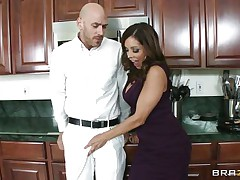 Johnny Sins and Francesca Le was having quite a fun in the kitchen. Johnny got a boner by looking at Le's cleavages and Le was helping Johnny to cool off by giving him a blowjob. When Ariella Ferrera came in the kitchen this babe also wanted to join the suck party and lucky Johnny gets a hell of a duet blowjobs whilst tese sexy and sexy milf are taking out their boobs!