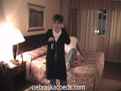 Drunk college chicks fur pie play in hotel