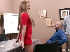 The pair is given a lecture on squirting then asks the spouse to squirt her wife, he is guided by the instructor on how to put fingers in her cunt to reach the g spot but the spouse fails, then the other guy does the rest of the job and made her squirt easily and that babe enjoys it very much.