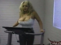 Blondie with huge tits plays with muff alone