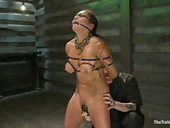 This babe is in for some truly grueling training regime as he takes complete control of her body and makes her body go through different hardships to make sure this babe obeys abjectly without asking any questions or raising objection. This chab tied her and overspread her face with cloth to tell her who is the boss.