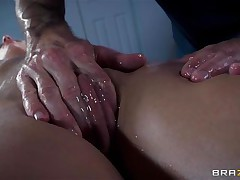 Golden-haired France whore Jessie receives a nice massage and then a deep hard fuck in her ass. The hawt bitch relaxes as the guy massages her bald twat and smoking hawt hips and then this babe has a great time with his big hard dick in her ass. Damn this gal can't live without it anal